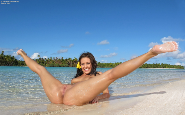 Island Tropics Mature 102