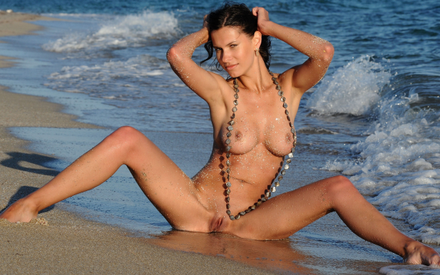 5103x2870 pix. Wallpaper susi r, beach, sea, naked, shaved pussy, wet, spread legs, boobs, tits, sexy