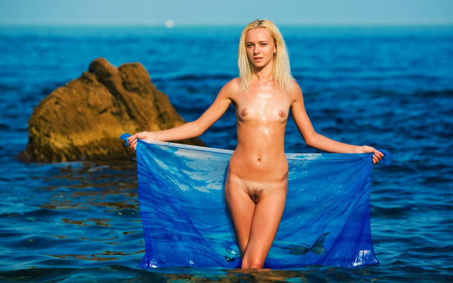 4368x2457 pix. Wallpaper wet, skinny, naked, small tits, haired pussy, sea, beach, blonde