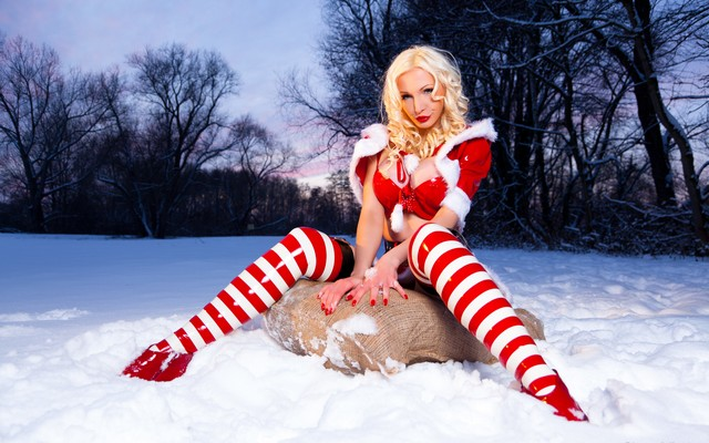 3000x2000 pix. Wallpaper latex, legs, Susan Wayland, snow maiden, winter, snow, bag, trees