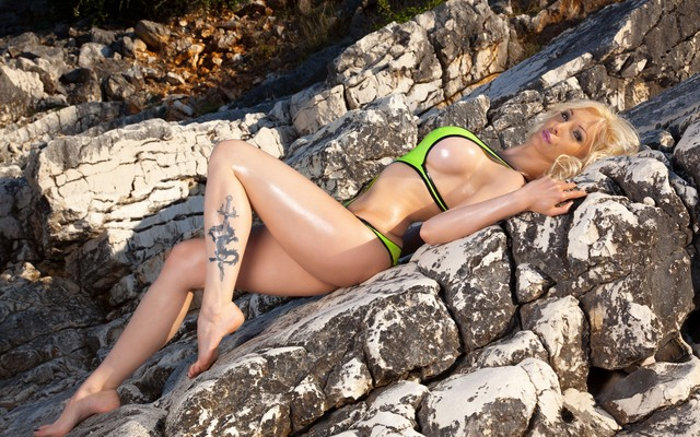3000x2000 pix. Wallpaper tattoo, latex, Susan Wayland, swimsuit, stones