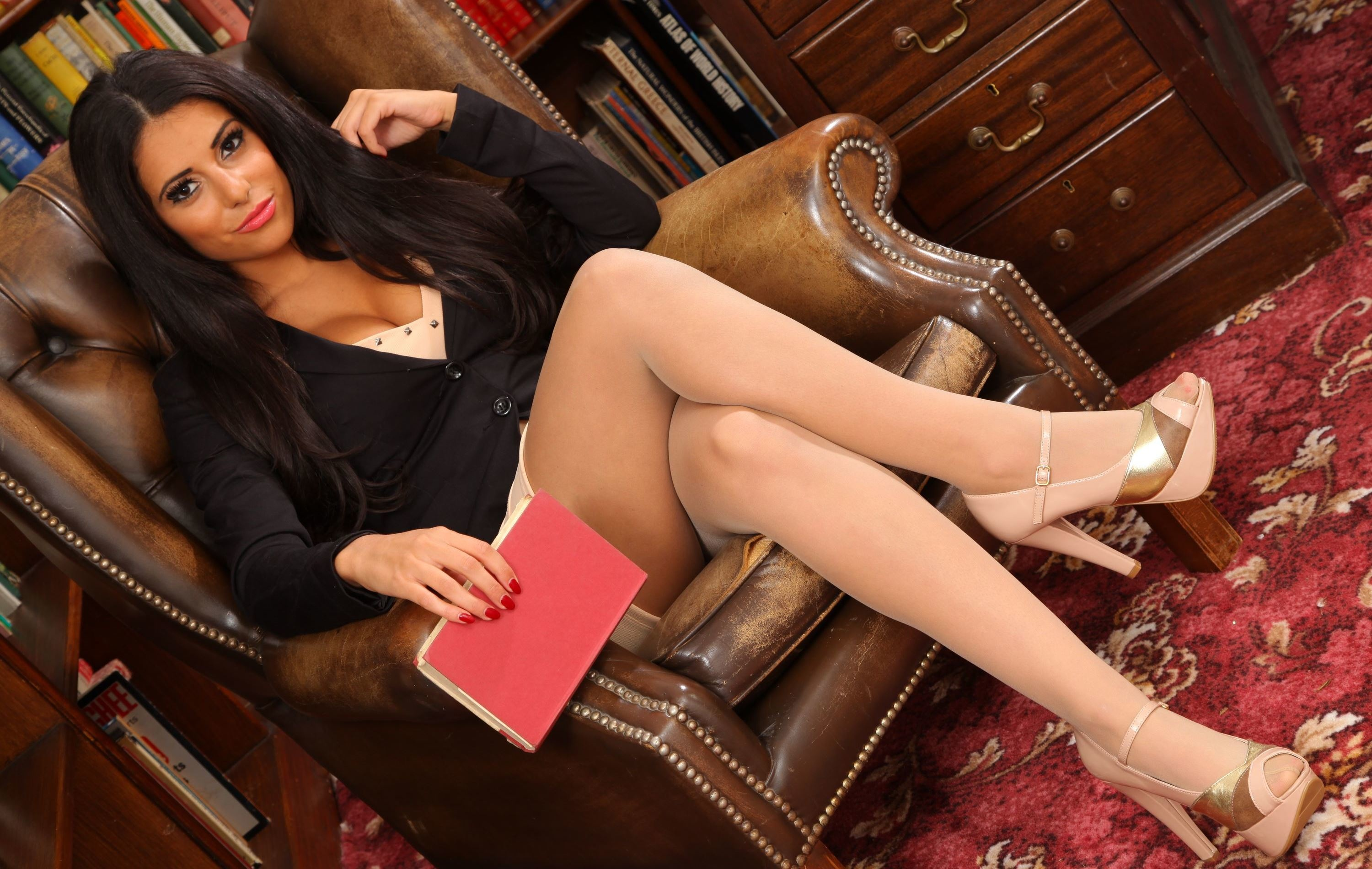 European chick Mira Sunset modeling sexy stockings in home office  668307