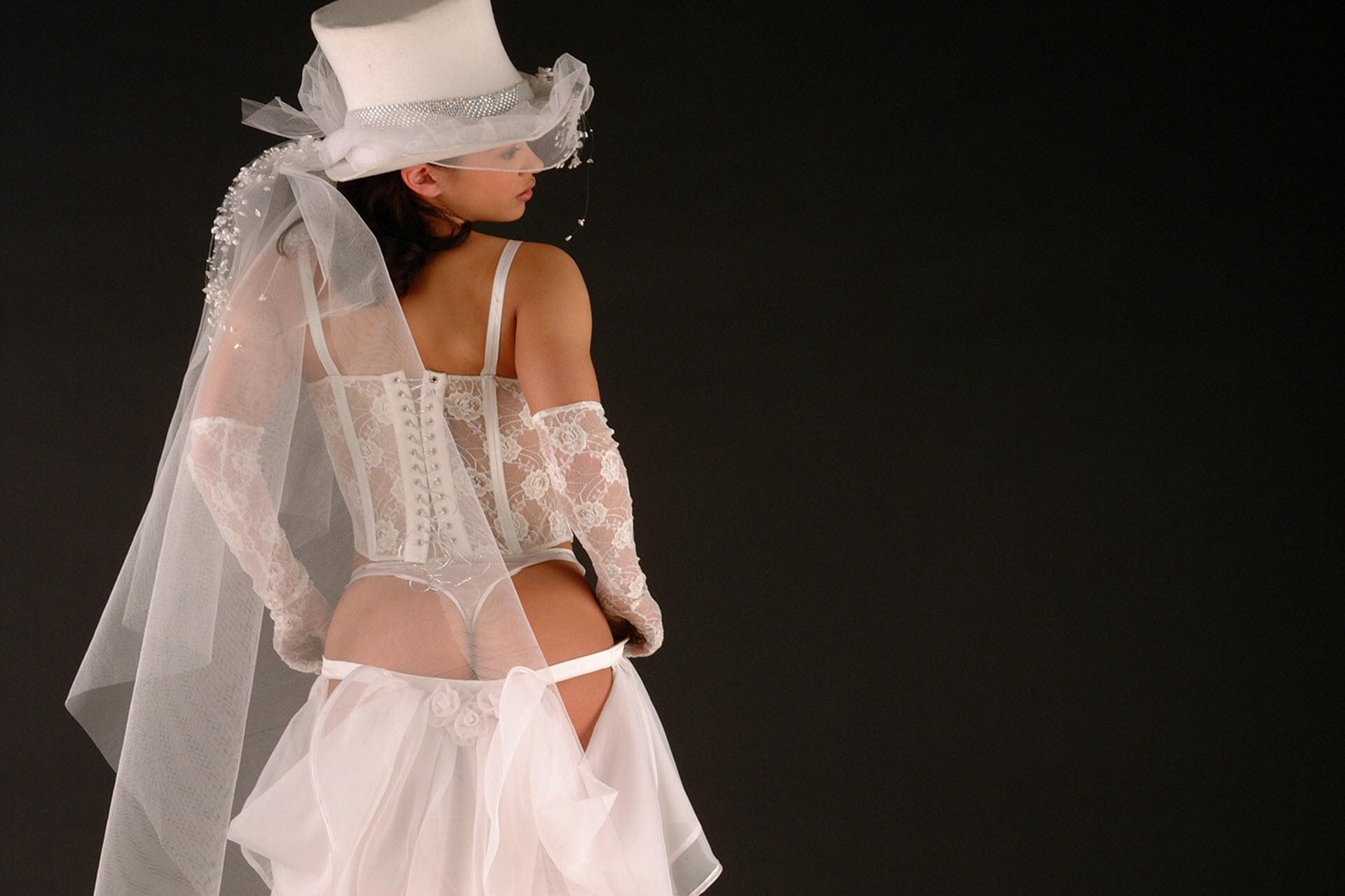 Фото голе невест 17 фотография