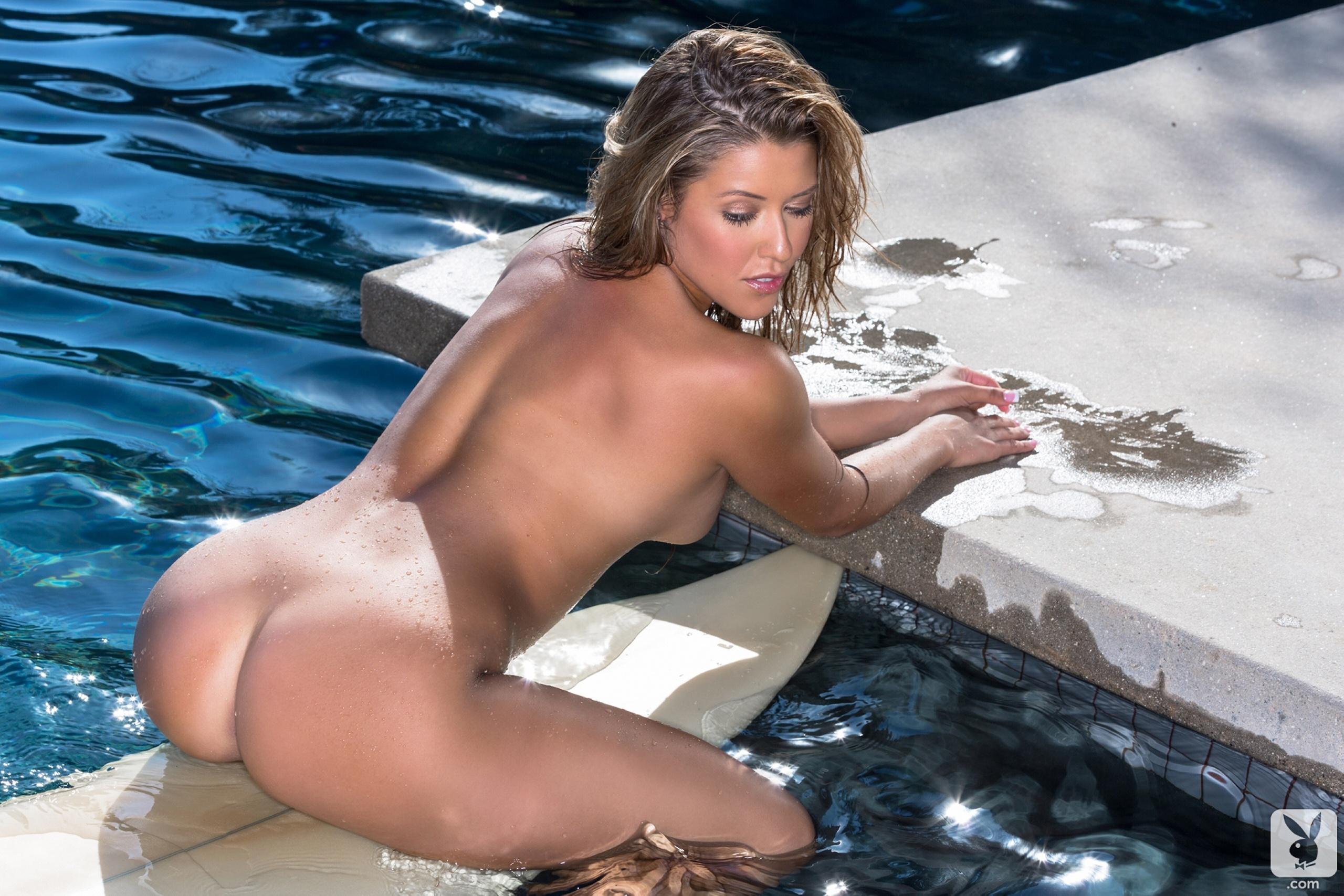 Фотомодели в эротических купальниках 14 фотография