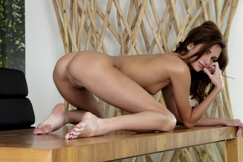 Секс с фигуристой моделью 24 фотография
