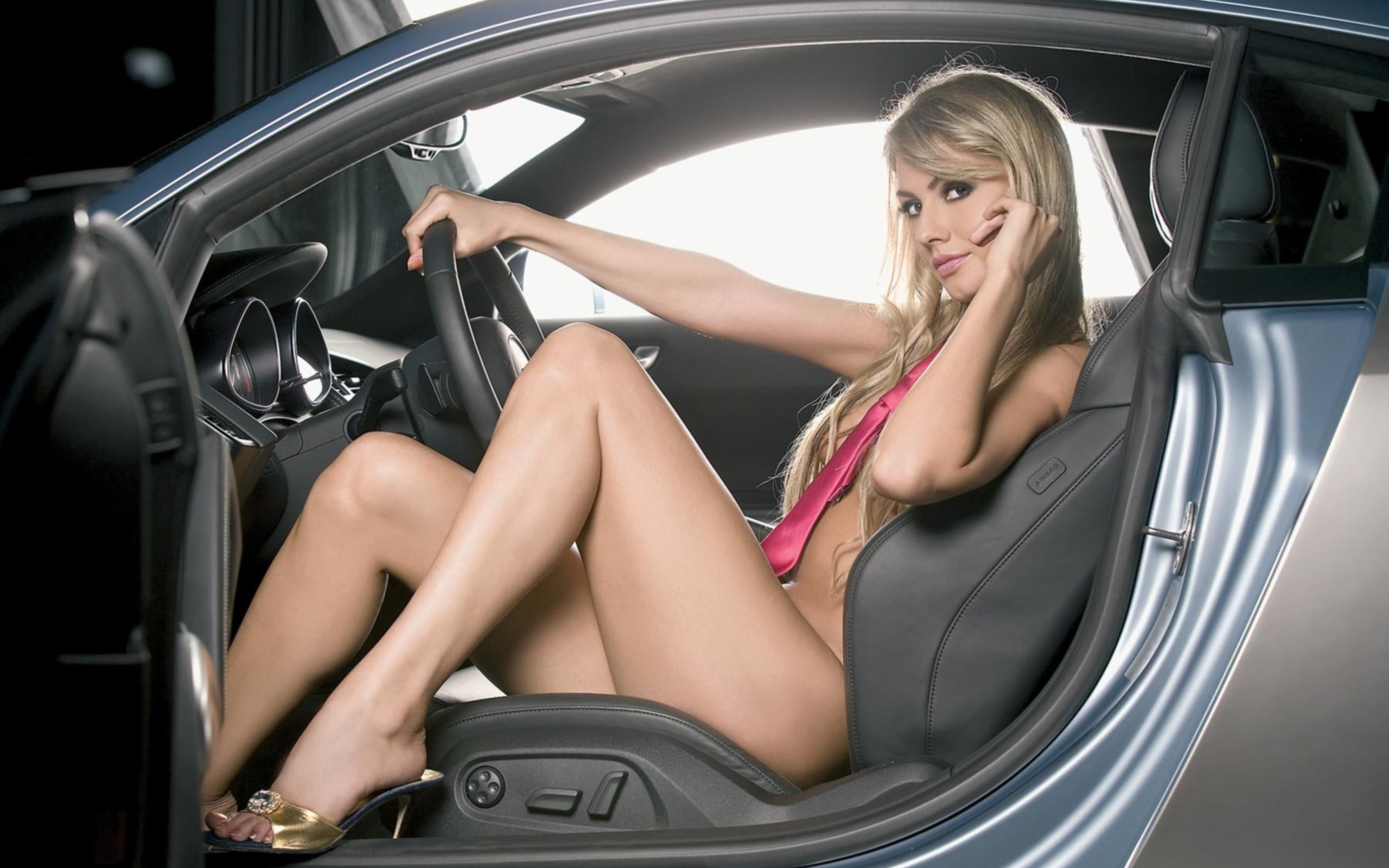 Машины и девушки секси