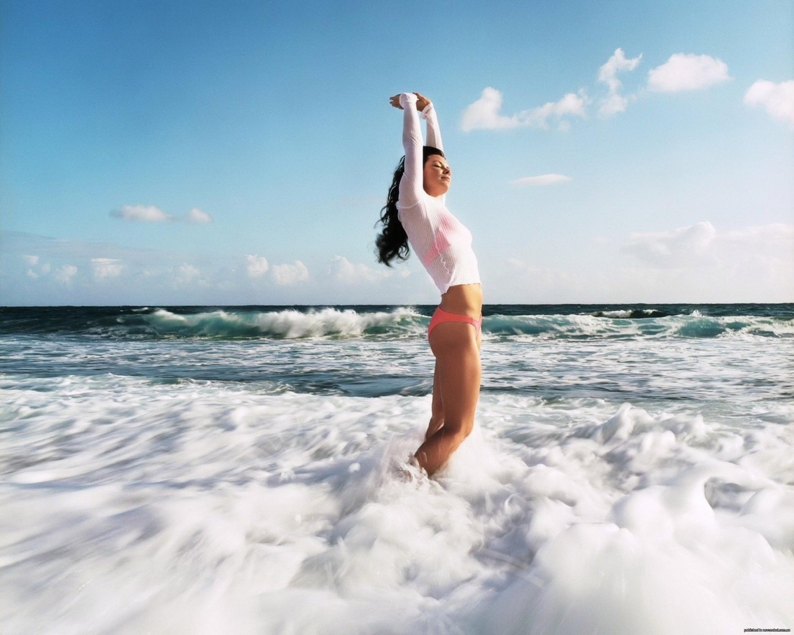 Фотки моей девушки на море 18 фотография