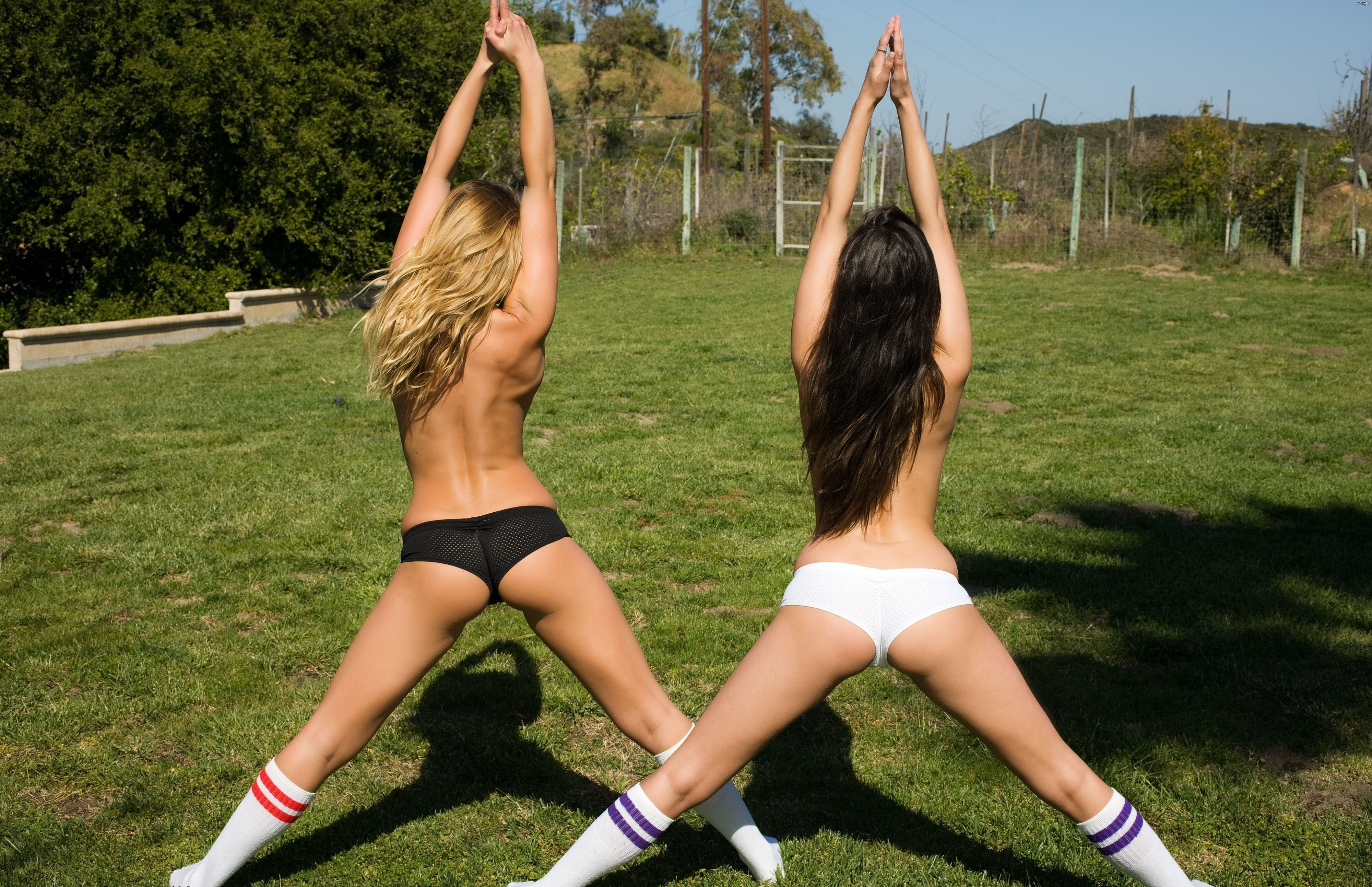 Фото спортивных девушек без трусов 4 фотография