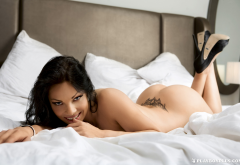 viktorija manzinni, playboy, in bed, brunette, ass, tattoo, naked, heels wallpaper
