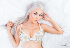 iselin cheyenne, top view, bra, busty, blonde, white hairs, big tits wallpaper