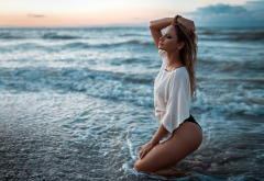 sea, beach, sunset, non nude, tanned, kneeling, closed eyes, wet hair wallpaper