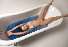 li moon, annika a, kiki, lee moon, wet, naked, bathtub, boobs, tits, shaved pussy, spread legs wallpaper
