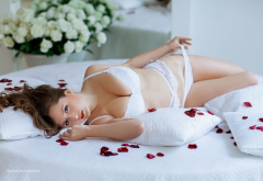 white lingerie, in bed, holding panties, roses petals, sweet wallpaper