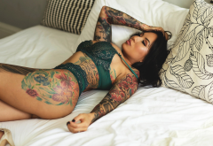 in bed, tattoo, green lingerie, bra, fetish, sexy wallpaper