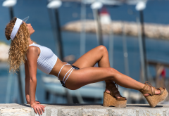 julia yaroshenko, tanned, closed eyes, sexy, legs wallpaper