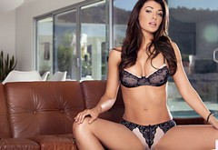 couch, brunette, boobs, lingerie, girl, playboy, bra, casey connelly, keysi konnelli, stom wallpaper