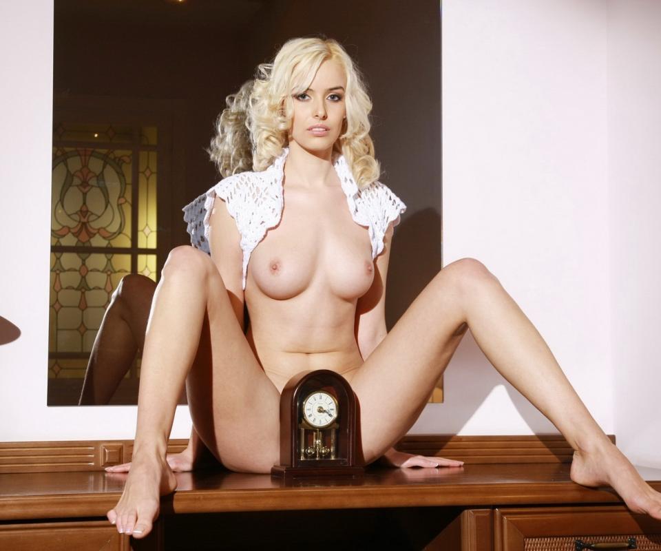 ashlynn-brooke-nipple-gif-models-sex-aisha