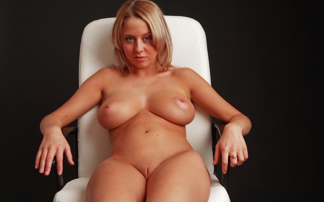 Can big titted shaved blondes opinion
