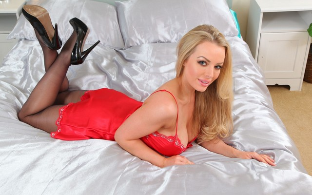 Hannah Claydon Thumbs