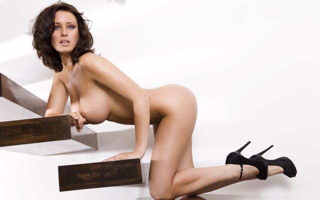 Photo Sammy Braddy, Topless, Stairs, High Heels, Nude -3610