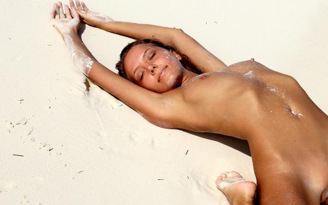beach Clover nude