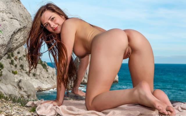 monique nude shantal