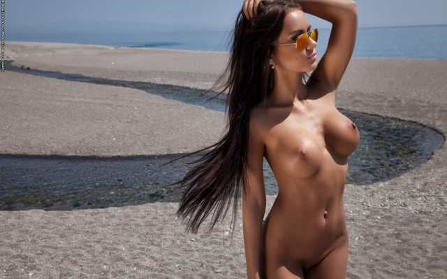3000x2000 pix. Wallpaper mareeva, sunglasses, tanned, beach, brunette, long hairs, perfect tits, boobs