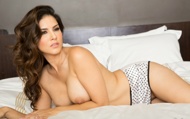 Photo Sunny Leone, Brunette, Topless, Big Tits, Boobs, In -1939