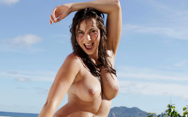 2000x1362 pix. Wallpaper connie carter, beach, goddess, wet, smiling, brunette, boobs, big tits