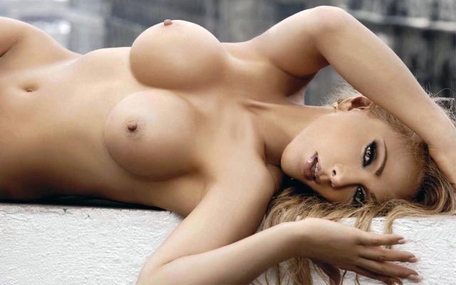 olivia collins en topless