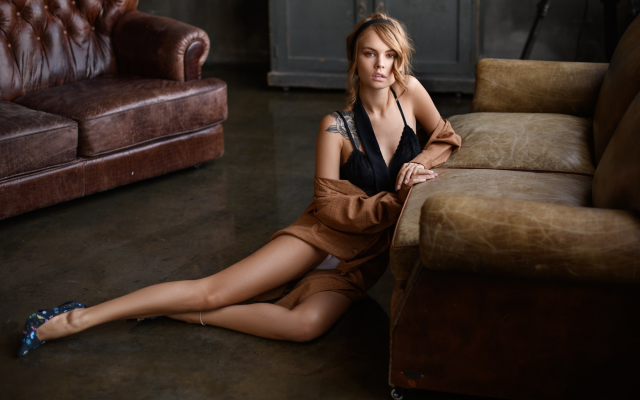 2000x1333 pix. Wallpaper legs, model, sexy, heels, couch