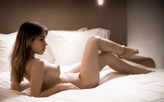 2000x1338 pix. Wallpaper alexandra smelova, in bed, boobs, big tits, nipples, legs, naked, sexy