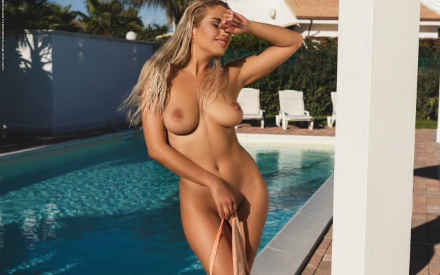 3000x2000 pix. Wallpaper margot, photodromm, pool, tanned, smiling, boobs, big tits, nipples, sexy, shaved