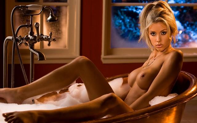 Weeks  nackt Heather Heather Graham