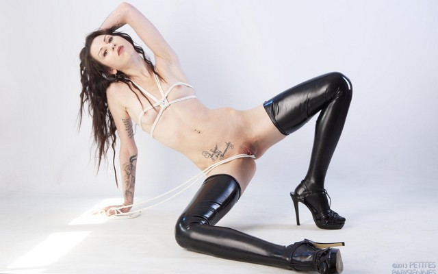 Photo Odri Bitoni, Naked, Pussy, Latex, Heels, Sexy, Tattoo, Teen, Spread, Hot Body, Tara, Tiny Tits, Peti, Wallpaper 9864-5734