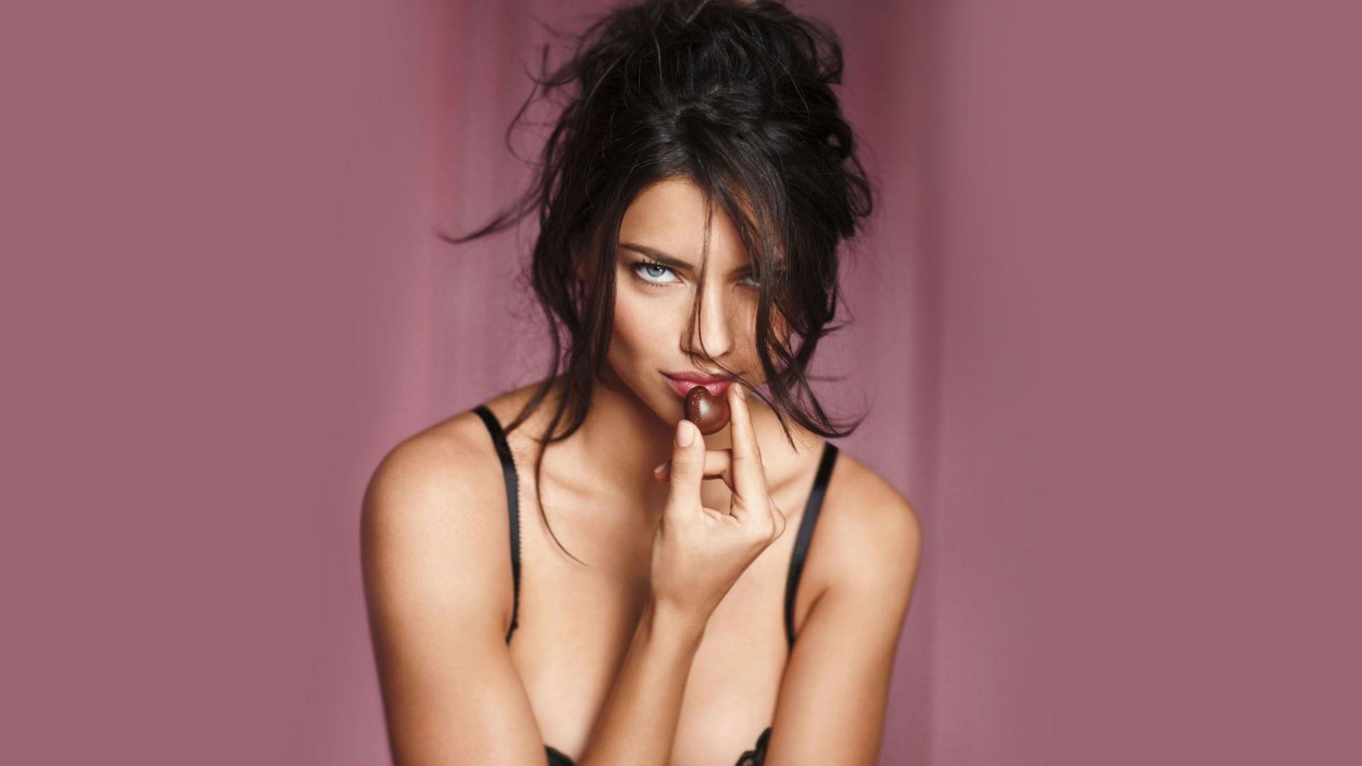 Adriana Lima porno