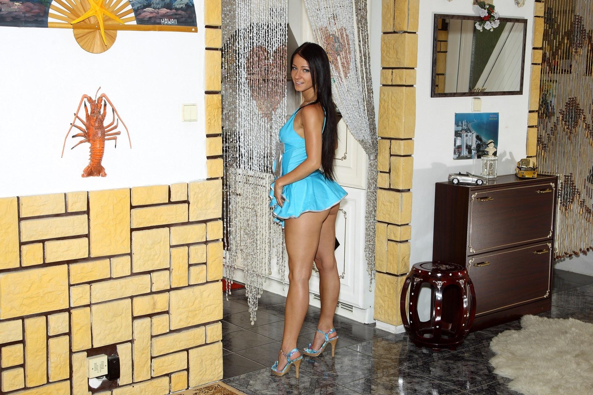 Download 1920x1280 girl, model, beauty, Melisa Mendiny