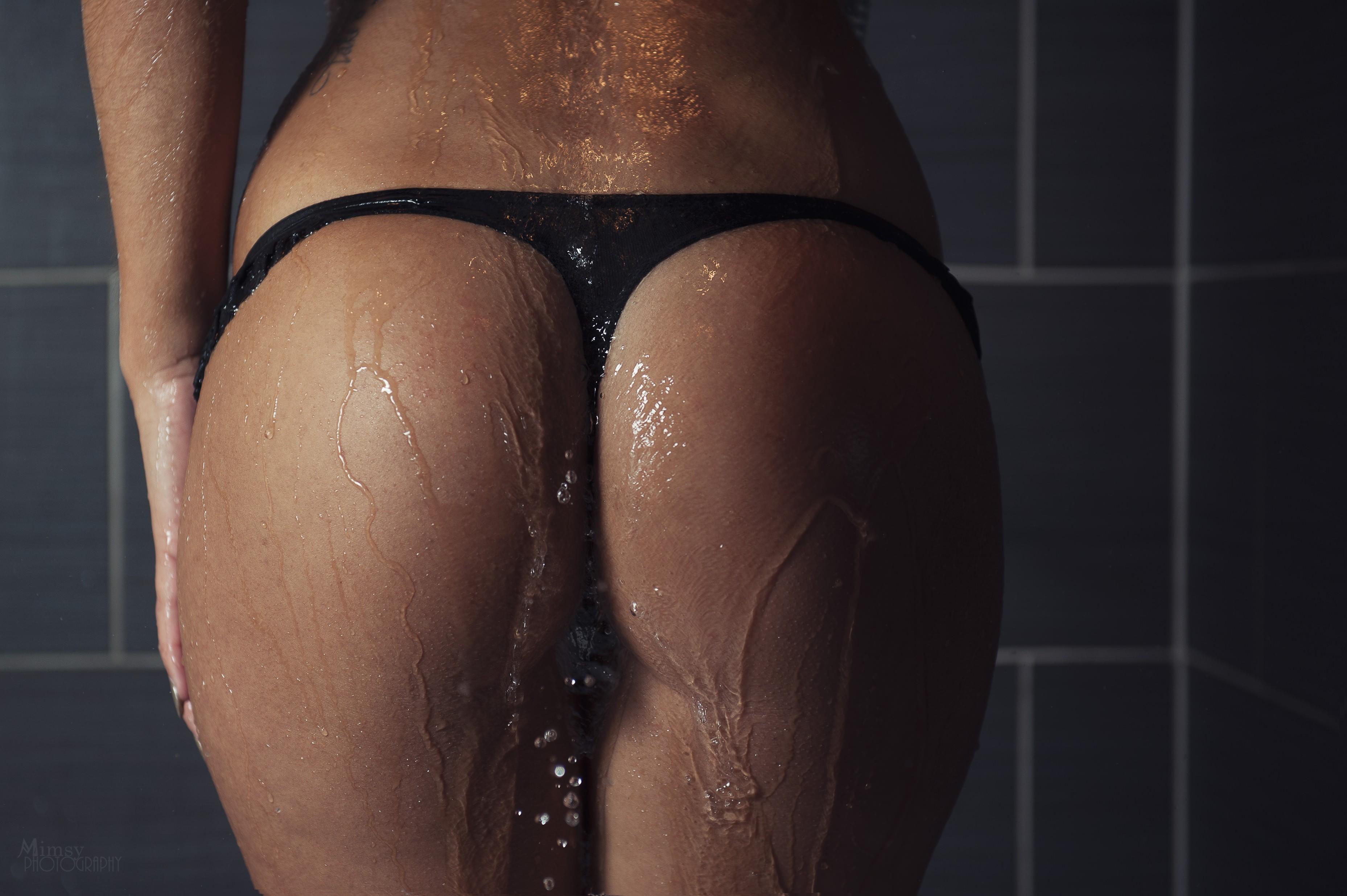 Wallpapers with girls in wet panties