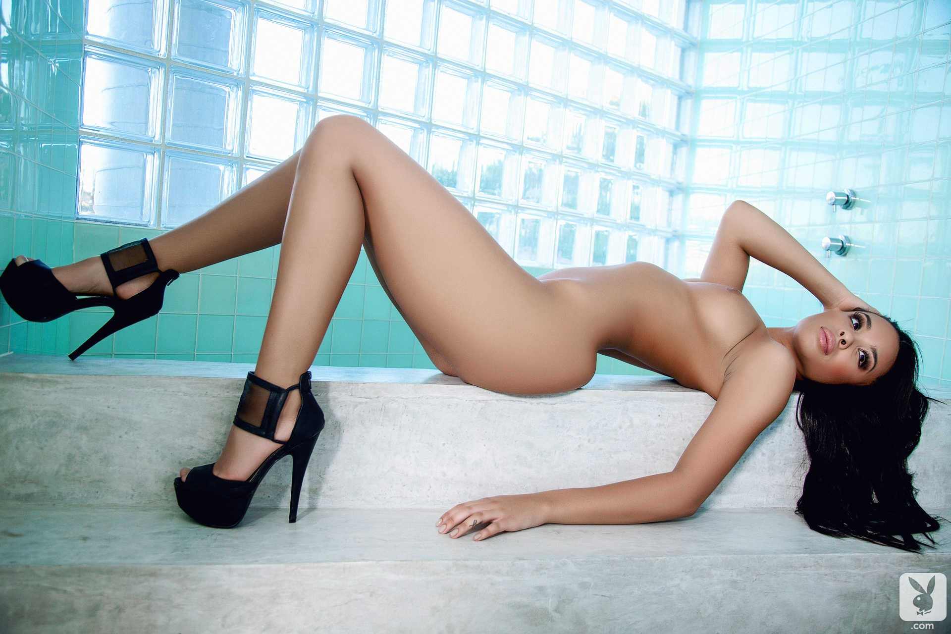 Gracie glam posing in black high heels