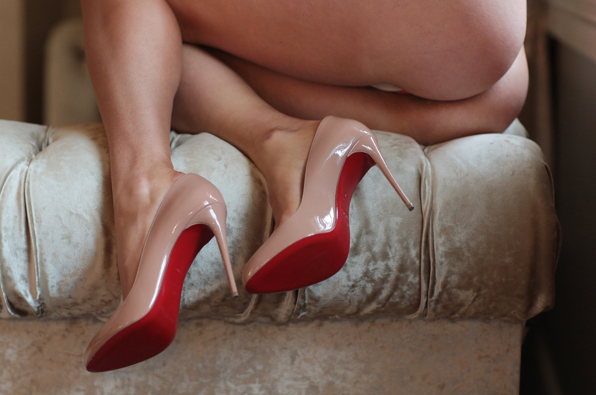 Slim Babe, Antonia Sainz Is Wearing Pink Shoes With High Heels While Masturbating On The Couch