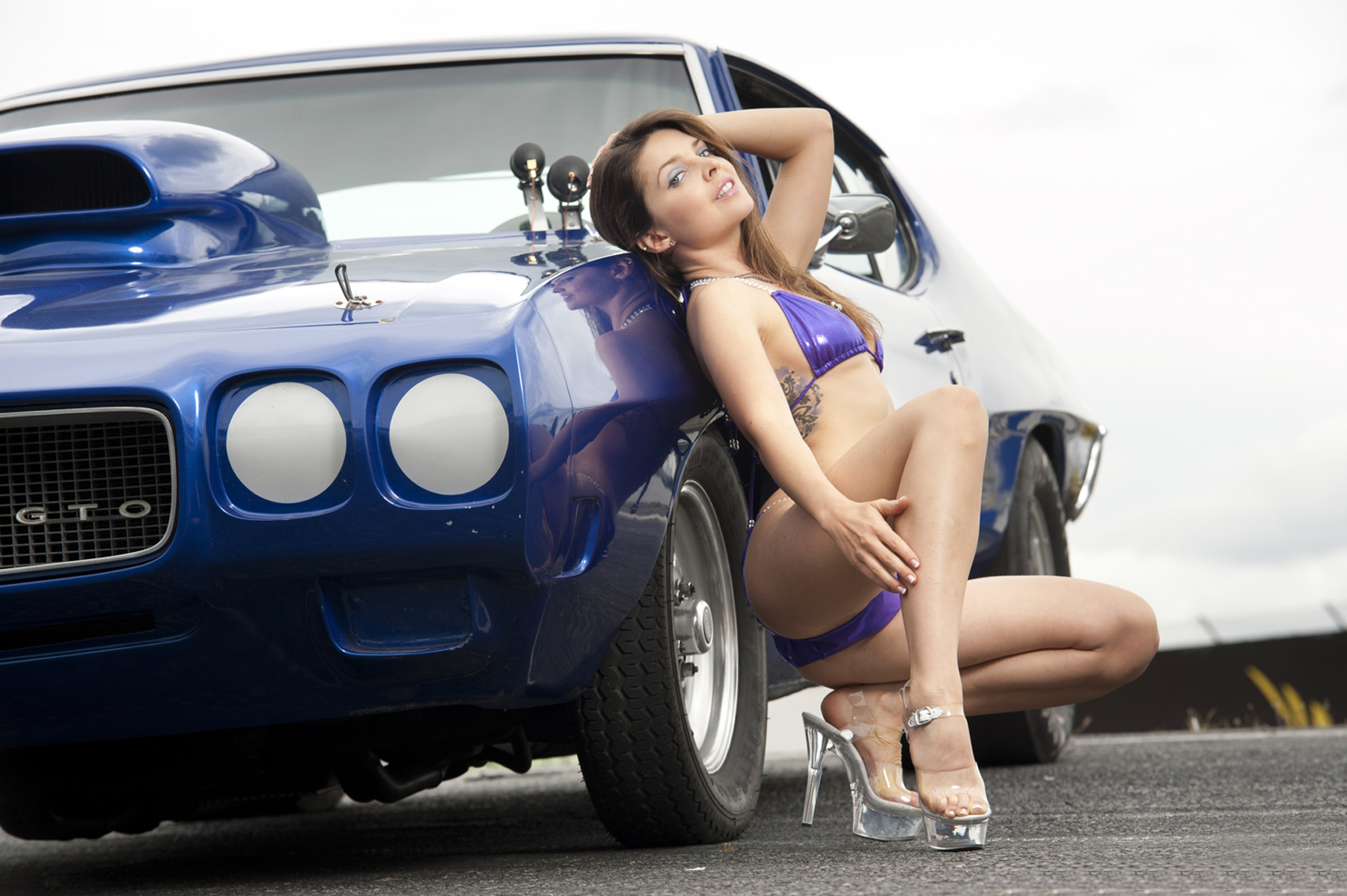 Sports Cars Naked Girls