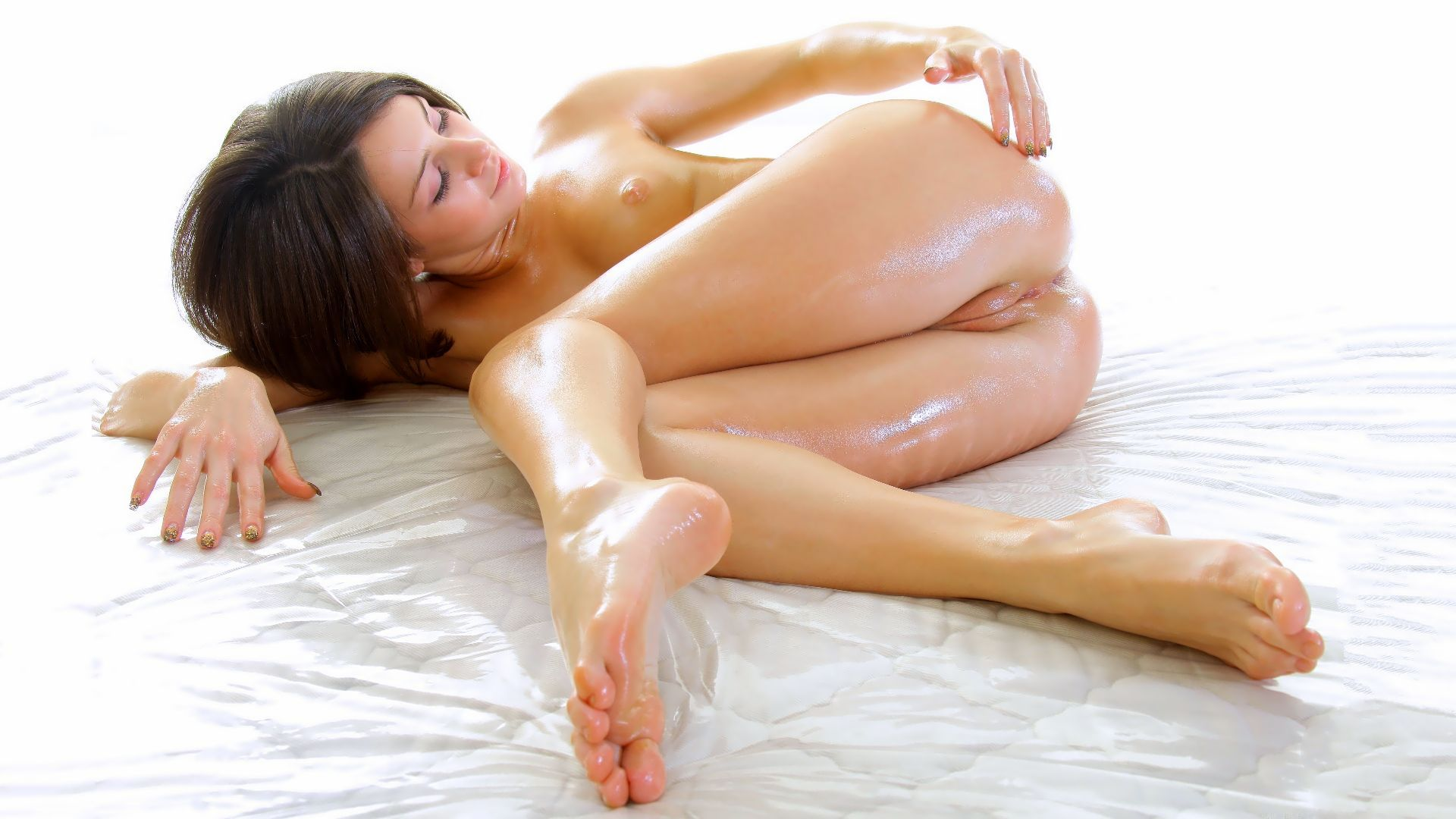 порно фото масляных девушек