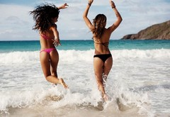 girls, butts, sea, models, beach, miss reef, waves wallpaper