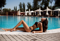 black bikini, tanned, swimming pool, water drops, sunbathing, wet, sexy wallpaper