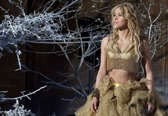 blonde, skirt, trees, top, braslet, curls, singer, ring, long hair, shakira, shakira, vetki, iney wallpaper